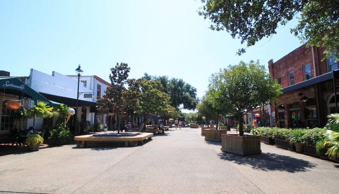 City Market Franklin Square side