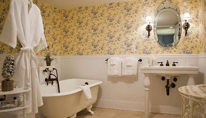 Forsyth Park Inn Room 11 Bath