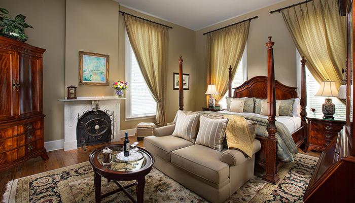 Hamilton Turner Inn General Nathanael Green Suite