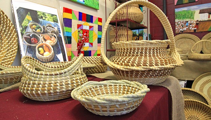 Jery Bennett Taylor Sweetgrass Bulrush Baskets