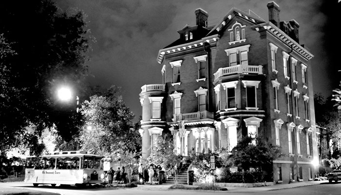 Kehoe House Haunted Hotels in Savannah
