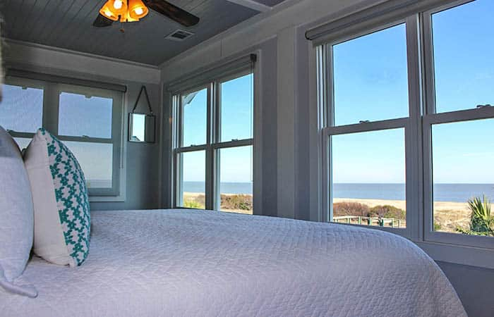 Oceanfront Cottage Rentals' 7 Palmwood Bedroom