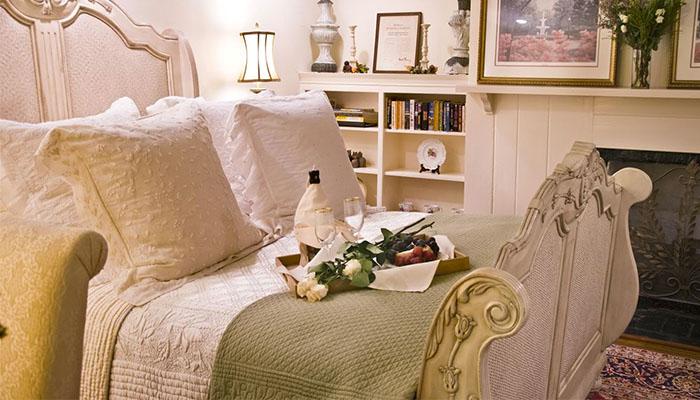 Olde Savannah Inn Bellevue Suite