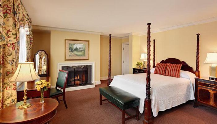 Planters Inn Savannah Suite