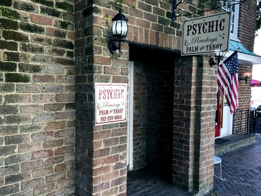 Four Must-Visit Psychics in Savannah