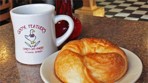 Goose Feathers Café