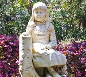 gracie statue