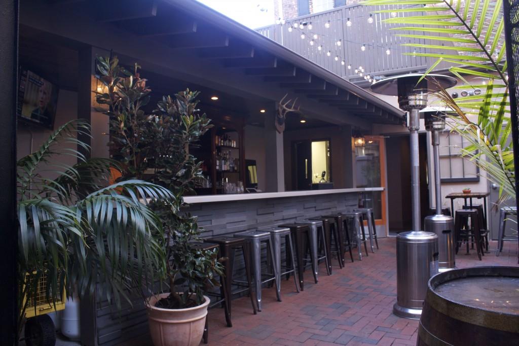 Treylor Park Outdoor Bar